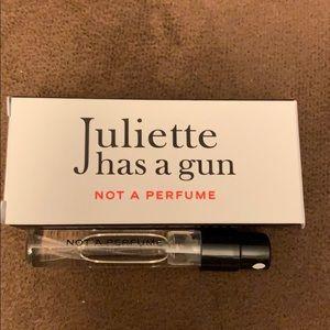 5/$20 - Juliette Has a Gun